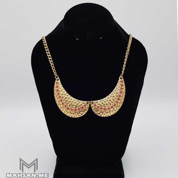 گردنبند طلایی تیشه ای با نگینهای صورتی